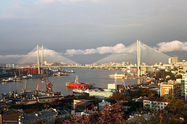 Одной из тем обсуждения станет вступление в силу облегченного визового режима на территории Свободного порта Владивосток.