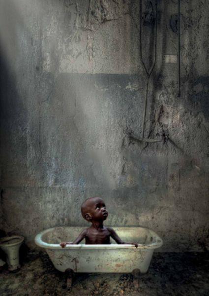 Коновалова Лариса, г. Санкт-Петербург. Социальный плакат «А твоим детям хватит воды?».