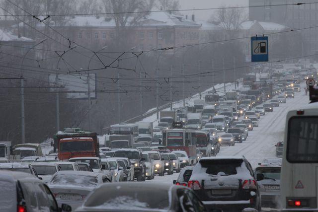 В Новосибирске зафиксированы рекордно длинные пробки.