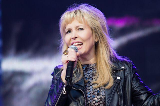 Ольга Кормухина исполнила в Омске всеми любимые хиты и новые песни.