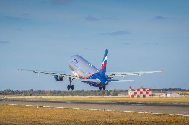 Вступил в силу запрет на полеты российских авиакомпаний через Украину