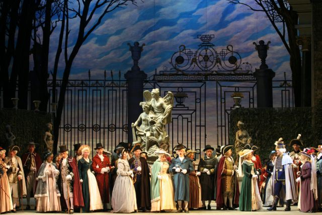 Мировую премьеру «Пиковой дамы» показали на сцене Мариинского театра еще 125 лет назад.