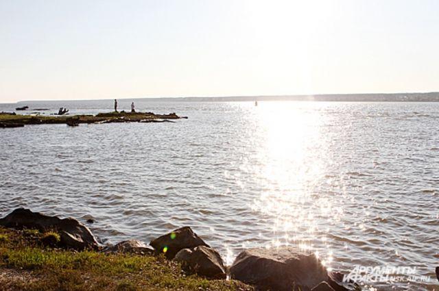 Бердское водохранилище - одна из главных достопримечательностей города.