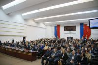Основной статьёй дохода бюджета остаются налоги, значит нужно сделать так, чтобы люди оставались в Кузбассе работать.
