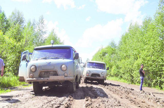Если в России две беды, то в Омской области есть и третья - с деньгами на перевозки.