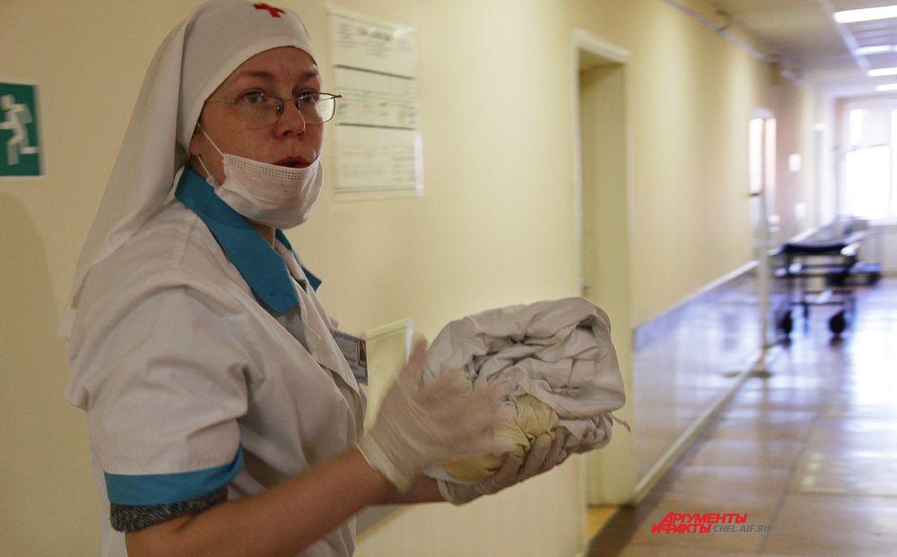 За 2 часа нужно обойти несколько отделений в больнице.