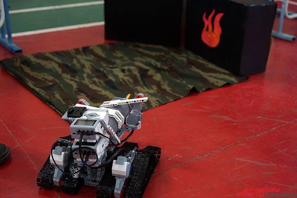 Соревнования роботов-огнеборцев прошли в Перми в субботу, 28 ноября.