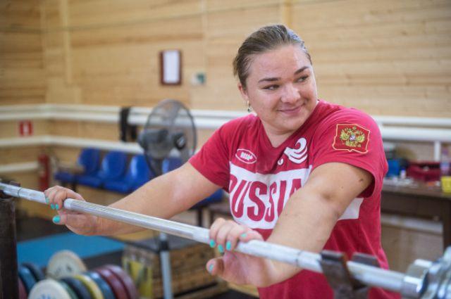 05:03<br /> 0<br /> 21 <p>Татьяна Каширина выиграла золото на чемпионате мира по тяжелой атлетикеСпортсменка показала суммарный