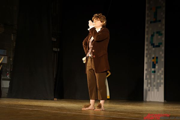 Фродо Бэггинс приехал на фестиваль из Средиземья.