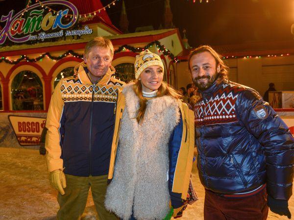 Пресс-секретарь президента РФ Дмитрий Песков, фигуристка Татьяна Навка и фигурист Илья Авербух (слева направо).