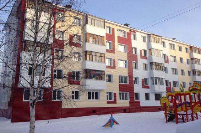 Отремонтированный фасад дома №41 по улице Энергетиков.