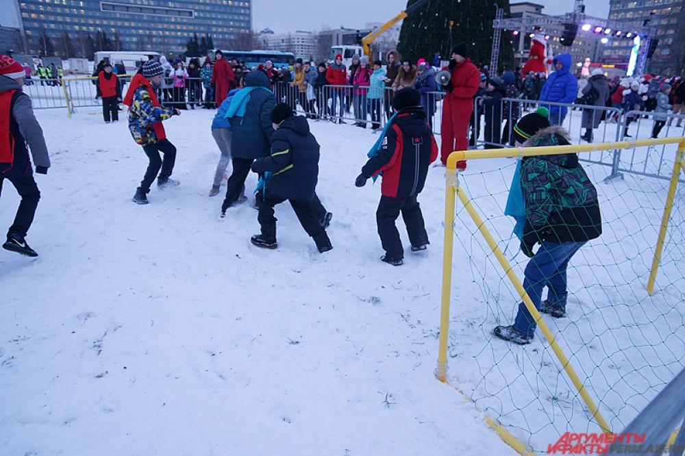 Одна из команд, участвовавших в футбольном матче, называлась «Лада Седан».