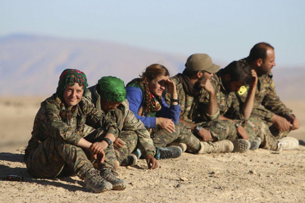 Курдские войска.
