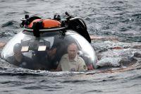 Глава государства о красоте уникального озера знает не понаслышке. В 2009 году президент погрузился в его воды на аппарате «Мир-1».