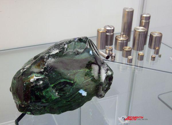 Штуф макета утилизированных высокоактивных отходов в натрийалюмофосфатном стекле