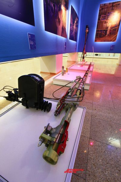 Макет технологического канала промышленного уран-графитового реактора