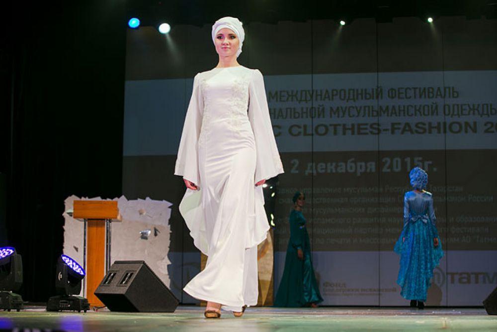 Платье два в одном: подойдет и для никаха, и для светской церемонии.