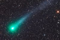 Особенность Каталины в том, что комета имеет два хвоста – газовый и пылевой.