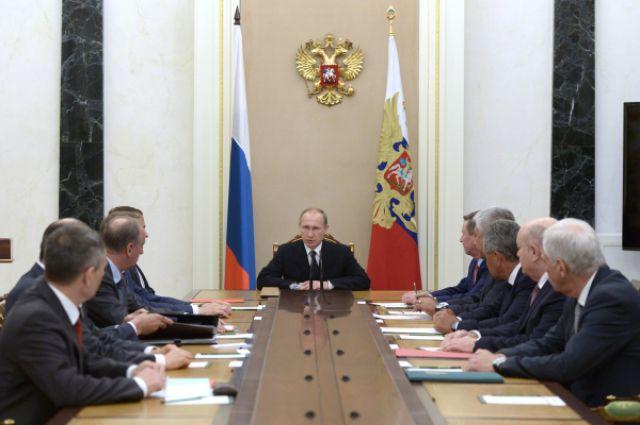 Путин насовещании Совбеза обсудил Сирию иэнергоблокаду Крыма