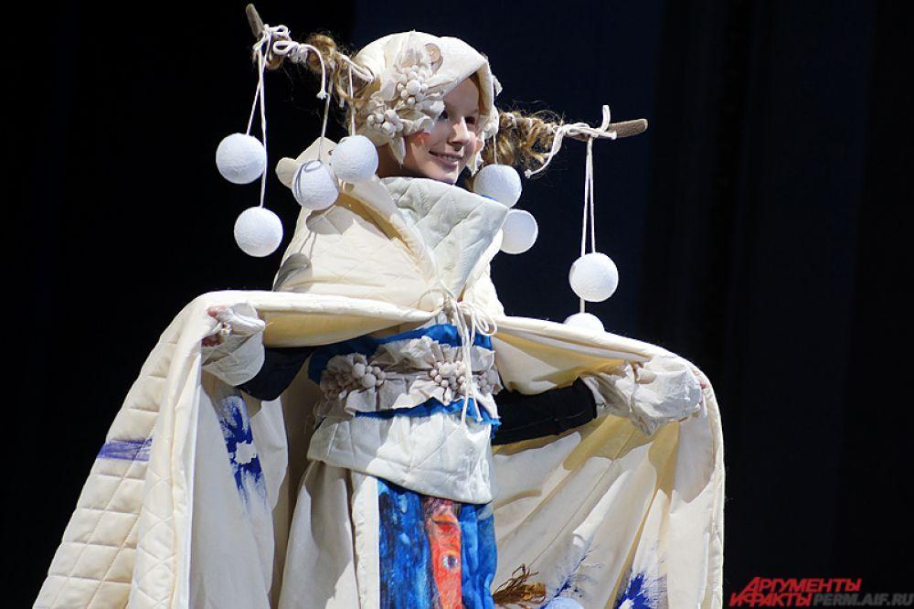 В рамках «Perm Fashion Week» была продемонстрирована ретроспектива предыдущих легендарных мероприятий в области моды, прошедших в Перми за эти годы.