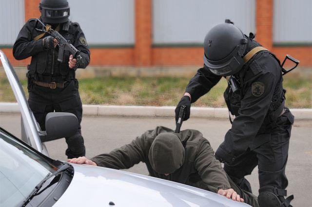 Сейчас для отпора террористической угрозе мобилизованы наши Вооружённые Силы, спецслужбы, правоохранительные органы.