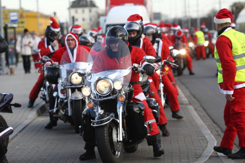 Заезд Санта-Клаусов, Гданьск, Польша