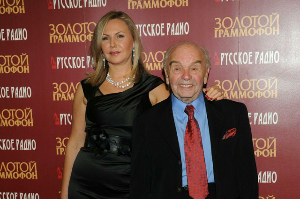 Владимир Шаинский с женой Светланой на премии «Золотой Граммофон» в 2011 году.