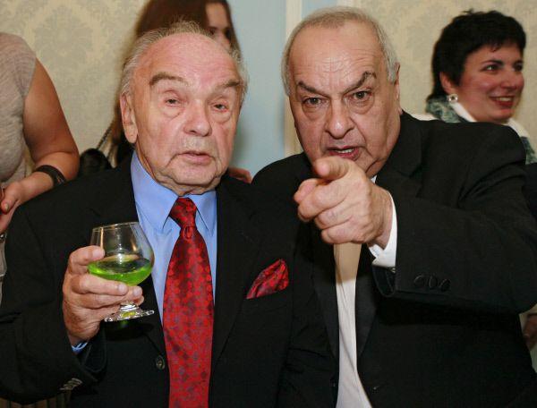 Композитор Владимир Шаинский и музыкант Левон Оганезов (слева направо) на мероприятии