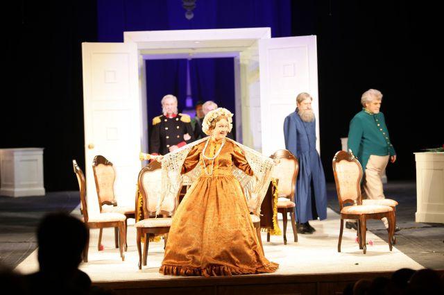 Лидия Николаевна 50 лет отдала служению театру.