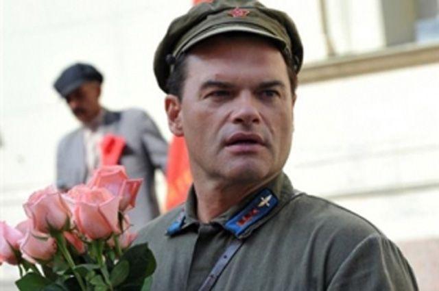 Евгений Дятлов в роли летчика Валерия Чкалова. Кадр из сериала «Чкалов».