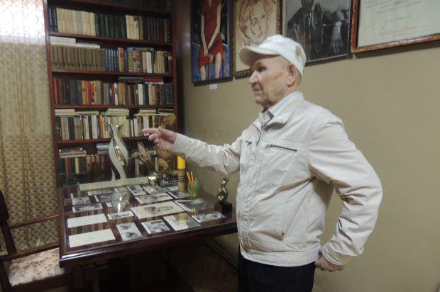 Создатель музея режиссера Сергея Герасимова Борис Красноперов