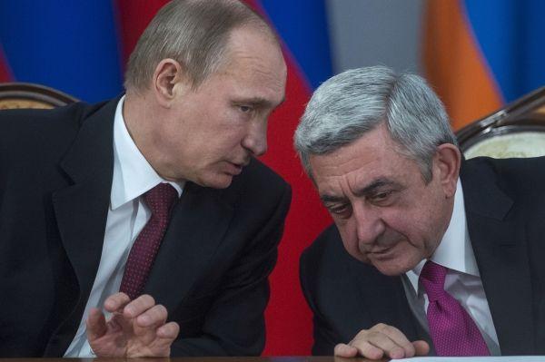 Президенты России и Армении Владимир Путин и Серж Саргсян.