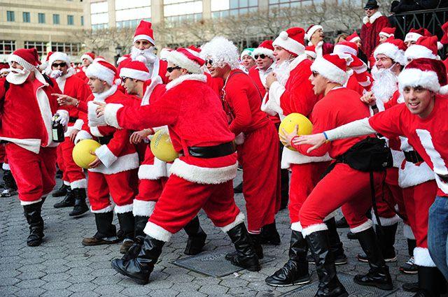 Фестиваль «Сантакон» вот уже двадцать лет позорит имя рождественского волшебника.