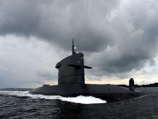 индийская подводная лодка затонула в