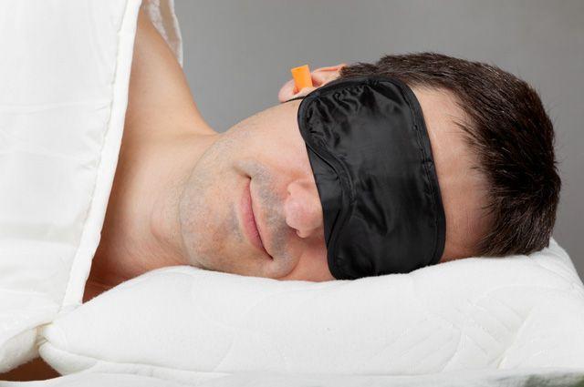 Можно ли спать с маской для сна