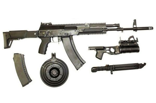 Новый автомат Калашникова АК-12 образца 2012 года.