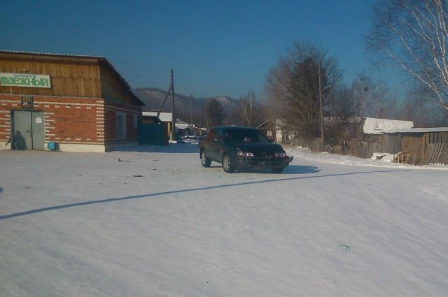 Движение по зимней трассе особенно опасно.