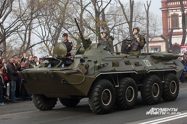 Подразделение морской пехоты ТОФ на параде.