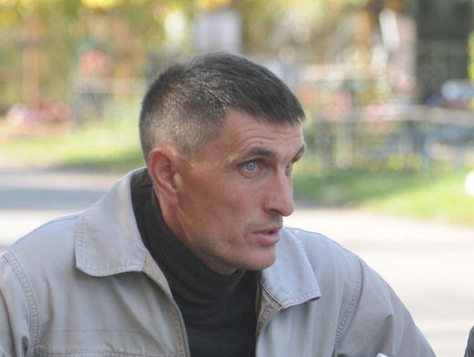Дмитрий Золотарёв остался работать на кладбище после окончания института.
