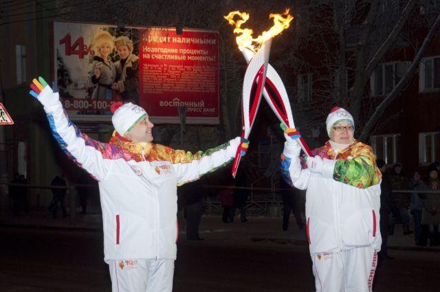 Олимпийский огонь шагает по Омску.