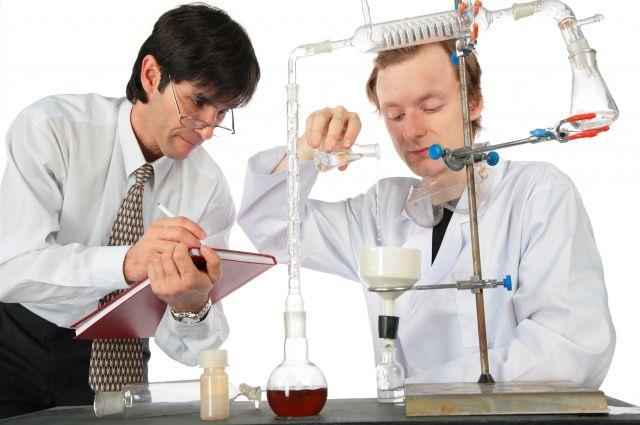 Омским чиновникам-экономистам предстоит выучить химию.
