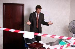 Работодатель не может требовать написать заявление на увольнение по собственному желанию, когда идёт сокращение штаба.