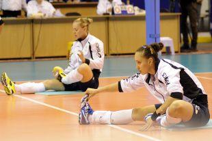 Омские волейболистки.