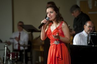 Певица Дарья Арсененкова.