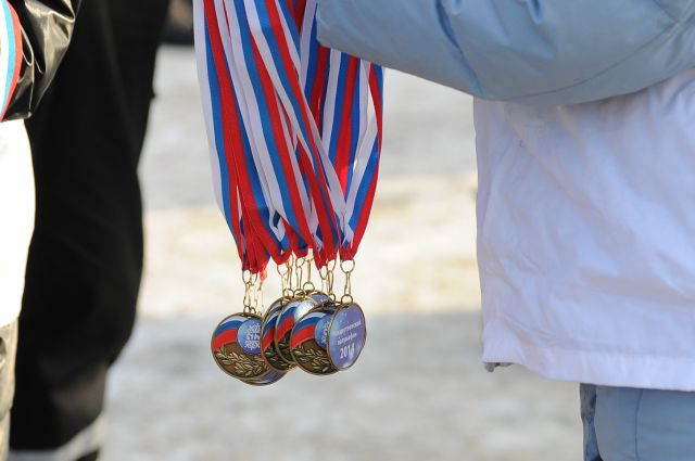 Медали с ошибкой не смутили многих участников Рождественского полумарафона.