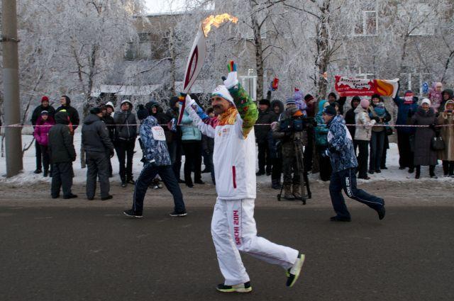 Олимпийский огонь движется к своей цели, опережая время!