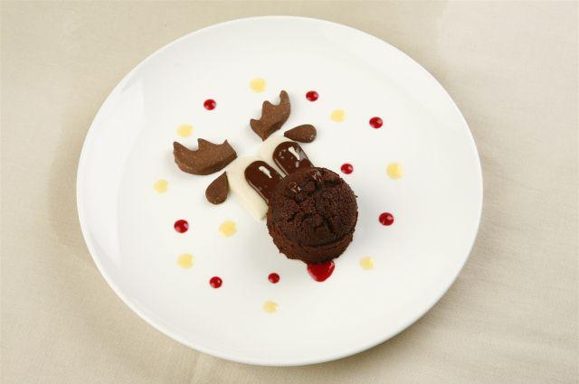 В Новогоднюю ночь не стоит забывать о здоровой пище для ребёнка.