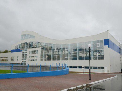 Стоимость нового спортивного комплекса, который располагается недалеко от нового микрорайона, 93 млн рублей