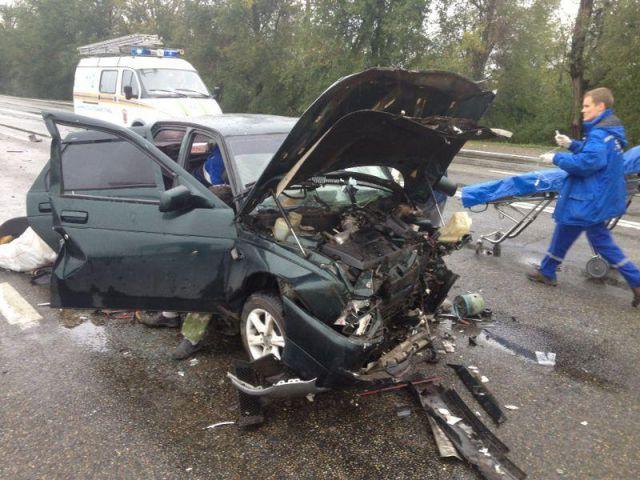 Водитель автомобиля «ВАЗ-21140» превысил допустимую скорость движения  и допустил столкновение со встречным автомобилем «ВАЗ-21093»