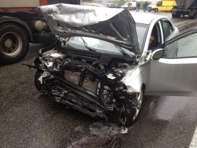 Водитель автомобиля «Киа Серато» превысил допустимую скорость движения и выехал на встречную полосу.